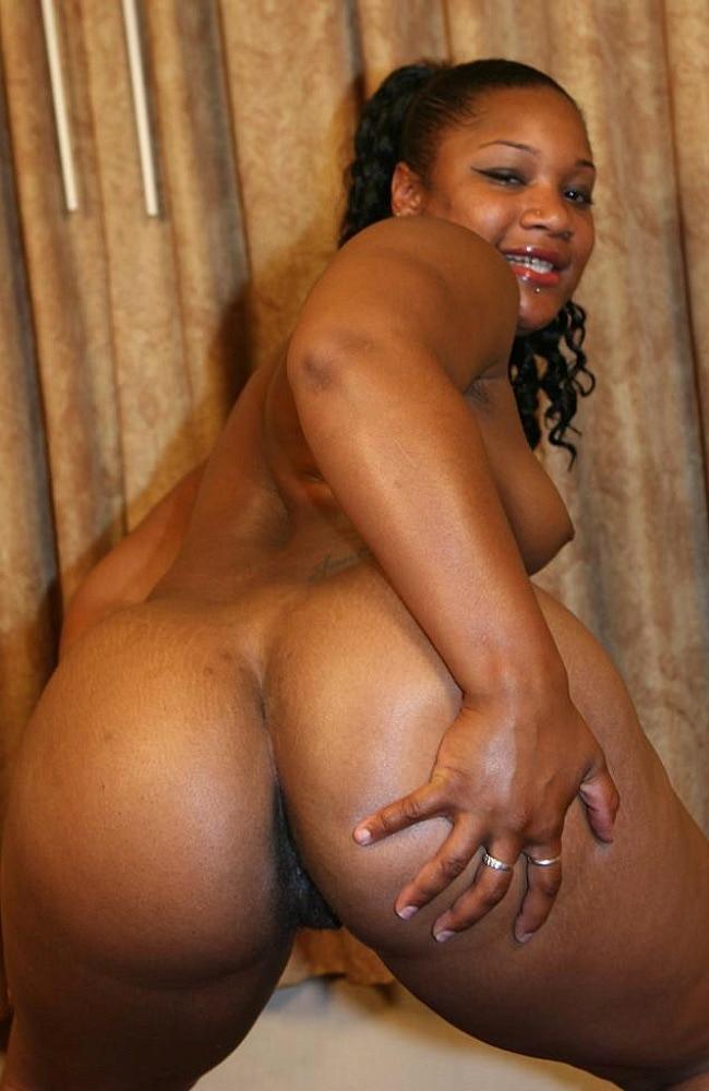 ebenholz-sexy-prall-jamaica-hariys-muschi-nackte-frau