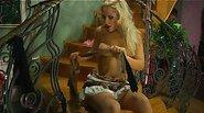 Flossie&Govard awesome pantyhose video