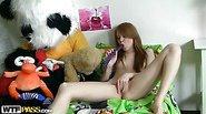 Cute girlie has craxy sex with dildo