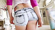 Teen girl Mandy Muse shows off her butt