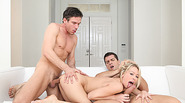 Super hot Zoey gets penetrated in DP