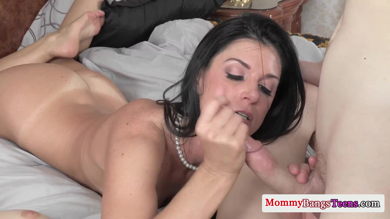 Cougar Seduces Teen Into A Taboo Threesome-4947