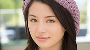 Asian teen Daisy Summers suck a big cock