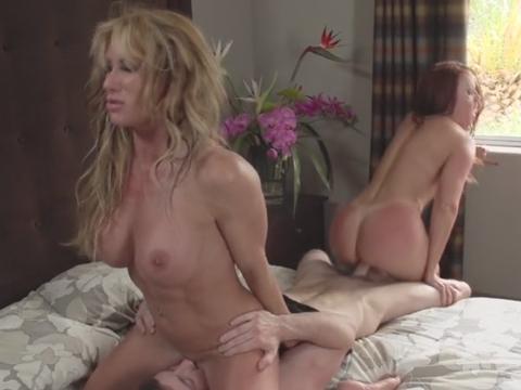 Blonde Babe Milf Threesome