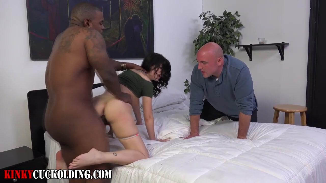horny shemale enjoys fucking big ass babe