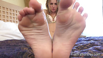 Cheerful blondie got sexy feet