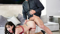 Johnny fills Alanas mouth with his veiny prick