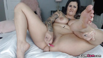 BBW Mommy Creaming Her Shaved Pussy