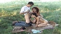 Very cool threesome picnic