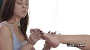 Foot massage turns into lesbian sex