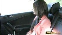 Amateur girl Liona banged inside the cab